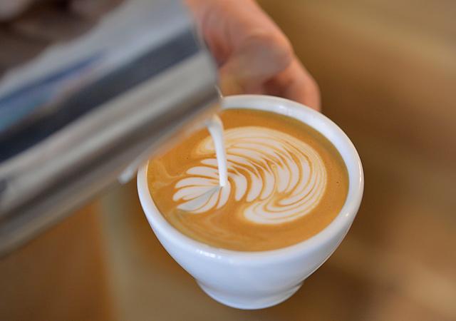 【バリスタSP】コーヒー豆が出来るまでを学べる!!焙煎&ラテアート体験のイメージ