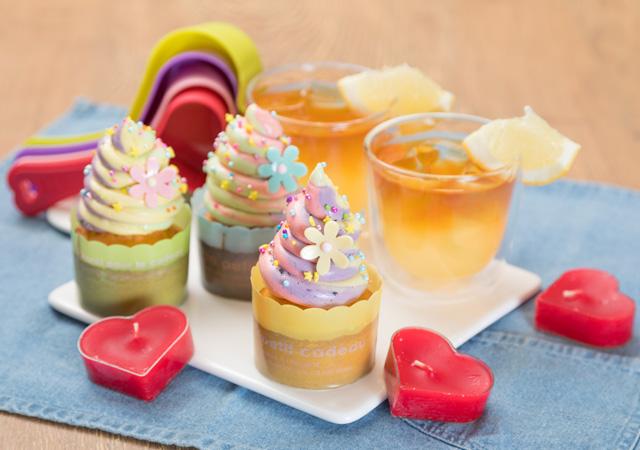 かわいいデコでカラフルカップケーキのイメージ